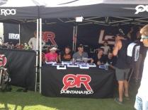 QT2/QR pros signing autographs